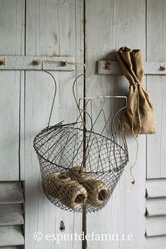 I have this basket Cottage Farmhouse, Shabby Chic Cottage, Shabby Chic Style, Laundy Room, Cosy House, Vintage Baskets, Primitive Kitchen, Wire Baskets, Plant Hanger