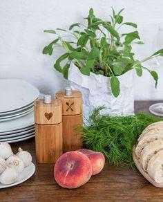 Poesie et Table Pfeffer- und Salzmühle aus Bambus von räder