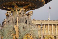 Fontaine place de la Concorde (détail) | Paris (France)