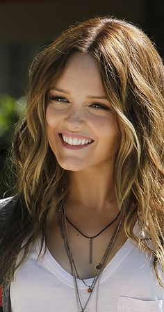 Rebecca Breeds - Nicole Gordon
