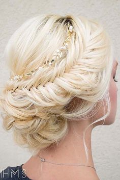 Bridal wedding hair inspiration at Luttrellstown Castle Resort