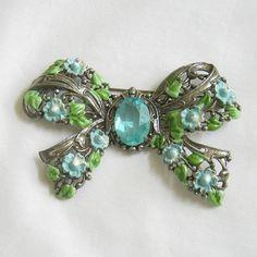 vintage bow brooch