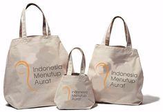 Segera Hadir ToteBag #IndonesiaMenutupAurat . More Info Follow @indonesiamenutupaurat . Chat 08176694030 . Ada Yang Mau Pesan...?