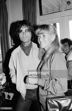 cliff-richard-with-sue-barker-12th-june-1982-picture-id675986942 (401×612)
