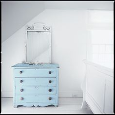shabby dresser is a great way to add a pop of color...and what a color!