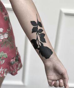 black rose tattoo © tattoo artist ARTURO TEROL 🌹❤🌹❤🌹❤🌹 Black Rose Tattoo Coverup, Rose Tattoo Cover Up, Dark Roses Tattoo, Tattoos To Cover Scars, Black Tattoo Cover Up, Dark Tattoo, Tribal Tattoos, Tattoos Skull, Wrist Tattoos
