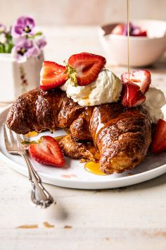 French Toast Batter, Croissant French Toast, Stuffed French Toast, Baked French Toast, Baked Strawberries, Strawberries And Cream, Raspberries, Croissants, Brunch Recipes
