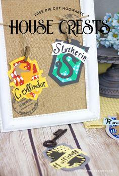 Harry Potter Free, Harry Potter Houses, Harry Potter Baby Shower, Harry Potter Birthday, Slytherin, Hogwarts Houses Crests, Harry Potter Classroom, Crafty, Diy School