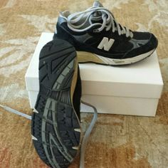 New balance 991t sneakers Gently used black and gray sneakers New Balance Shoes Sneakers