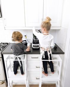 "2,073 Likes, 98 Comments - Sina ♡ Happy Grey Lucky (@happygreylucky) on Instagram: ""Two cute little helpers spotted in the kitchen.  We love starting the day with a delicious green…"""