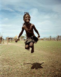 Brincar, pular sem medo de ser feliz.