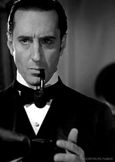 Basil Rathbone - my mother used to love to watch Sherlock Holmes.I found out later Basil Rathbone resembled an ex-boyfriend of hers. Classic Movie Stars, Classic Films, Sherlock Holmes, Watch Sherlock, Vintage Hollywood, Classic Hollywood, Martin Freeman, Benedict Cumberbatch, Elementary My Dear Watson