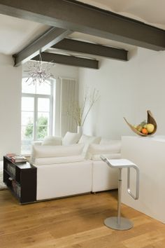 #Salon de style #contemporain avec #suspendu. / #Contemporary #livingroom with #pendant.