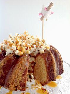 BUNDT CAKE DE MAÍZ CON CARAMELO Y PALOMITAS