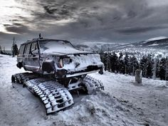 Jeepys: Modified Jeep XJ in snow! Tracks! Unstoppable XJ
