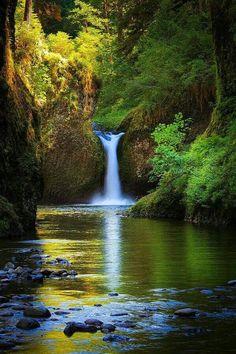 Punch bowel falls,eagle creek Oregon