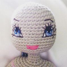Kindabam Crochet a new face #crochet #crochetersofinstagram #crochetdoll #eyesembroidery #doll #amigurumidoll #amigurumi #crochettoys #custommadedoll