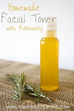 Homemade Facial Toner with Rosemary Homemade Facial Toner. Create a homemade facial toner out of a sprig of rosemary and apple cider vinegar. It can help you have healthier, radiant skin! Homemade Toner, Homemade Moisturizer, Face Scrub Homemade, Homemade Facials, Homemade Skin Care, Homemade Beauty Products, Diy Skin Care, Skin Care Tips, Homemade Cosmetics Diy