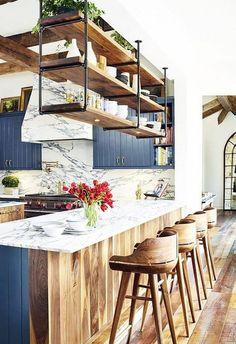 Keukenbar: sfeer in je keuken! https://www.ikwoonfijn.nl/keukenbar-sfeer-in-je-keuken/