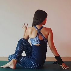 It's your place in the world; it's your life. Go on and do all you can with it, and make it the life you want to live. No one said it gonna be easy, but it will be worth it. #staypositive #PSinNamaste   🕉Ardha Matsyendrasana▪Half Lord of the Fishes🕉
