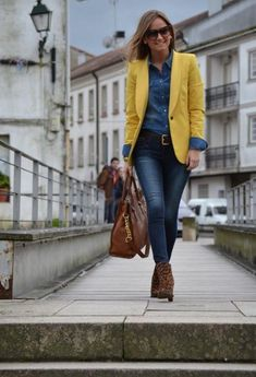 Denim shirts are a fashion favorite for a stylish look.To prove you that they fit in every combination, I'll show you 20 awesome outfits with denim shirts. Winter Outfits, Cool Outfits, Casual Outfits, Yellow Outfits, Fashion Diva Design, Womens Denim Dress, Look Blazer, Yellow Blazer, Winter Mode