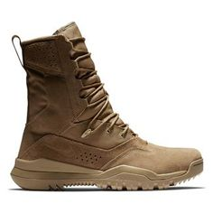 Nike SFB Field 2 Leather (ca. Nike Sfb Boots, Jungle Boots, Side Zip Boots, Military Army, Cool Boots, Back To Black, Tactical Gear, Black Boots, Outfits