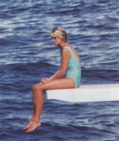 I find this photo of Diana so sad.