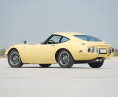 1968 Toyota 2000GT The design won accolades around the world when the car was first shown at the 1965 Tokyo Motor Show, up until this point the world had seen Japanese car makers are copycat designers who produced cheap, insignificant cars designed for the lower end of the automotive spectrum.