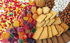 Azúcares y dulces -  En este grupo están incluidos diversos alimentos como el azúcar, la miel (aunque ésta sea de origen animal), chocolate, cacao, etc. cuya principal función en la dieta es la de aportar energía y aumentar la palatabilidad. El azúcar de mesa y la miel se utilizan fundamentalmente como ingredientes a...