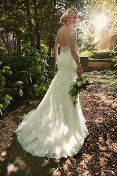 Style D2002 Essense of Australia #lace
