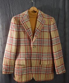 1970s Vintage Wool Plaid Sport Coat. 3/2 Roll. by EndlessAlley