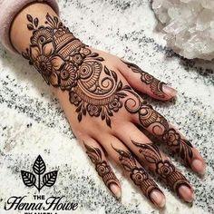 Pretty Henna Designs, Latest Arabic Mehndi Designs, Henna Tattoo Designs Simple, Finger Henna Designs, Beginner Henna Designs, Henna Art Designs, Mehndi Designs 2018, Mehndi Designs For Fingers, Beautiful Mehndi Design