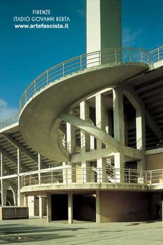 INDEX FASCISMO - ARCHITETTUR Walter Gropius, Stairs, Mansions, Architecture, House Styles, Building, Home Decor, Trendy Tree, Arquitetura