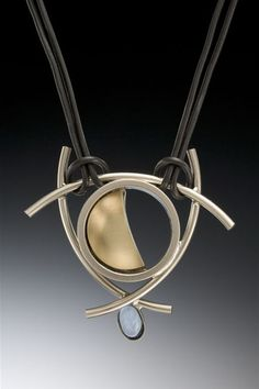 Jewelry | Jewellery | ジュエリー | Bijoux | Gioielli | Joyas | Art | Arte | Création Artistique | Artisan | Precious Metals | Jewels | Settings | Textures |