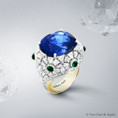 Riflesso Azzuro ring, Pierres de Caractère Variations collection White gold, round, pear-shaped, baguette and triangle-cut diamonds, cabochon-cut emeralds, one cushion-cut sapphire of 30.20 carats (origin: Sri Lanka), yellow gold. Captivating the eye with its deep blue hue and generous volume, the Riflesso Azzurro ring from the High Jewelry Pierres de Caractère Variations collection is crowned by an exceptional Sri Lankan sapphire weighing 30.20 carats.