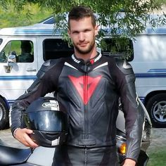 men in leather Motorcycle Suit, Motorcycle Leather, Biker Leather, Leather Men, Motard Sexy, Motorbike Leathers, Tight Leather Pants, Biker Gear, Biker Style