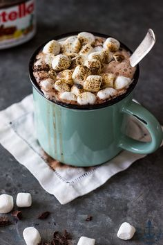 This creamy dark and dreamy chocolately Nutella Hot Cocoa is absolutely decadent! Its a favorite fall and winter warm up! Yummy Treats, Sweet Treats, Yummy Food, Hot Chocolate Recipes, Chocolate Hazelnut, Nutella Hot Chocolate, Chocolate Mix, Yummy Drinks, Chocolates