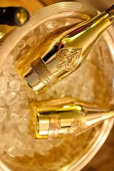 Champagne on ice Champagne Brands, Champagne Taste, Armand De Brignac, Gold Everything, Luxe Life, Shades Of Gold, Stay Gold, Gold Rush, Love Bracelets
