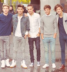 So freaking hot. I just died. :)♥♥♥♥♥One Direction One Direction One Direction