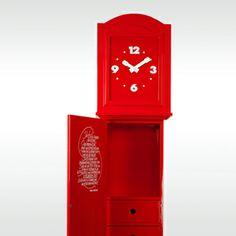 Bijzondere klok in een bijzondere kleur