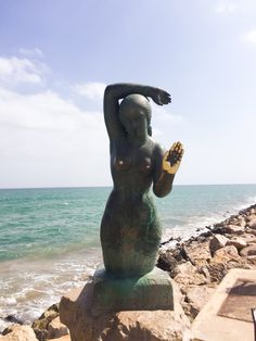 Mermaid statue next to the sea in Sitges. Cheap Apartment For Rent, Mermaid Statue, Barcelona Apartment, Sitges, Menorca, Historical Sites, Ibiza, Costa, Sun