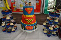 Superman Wonder Woman Cake and cupcakes
