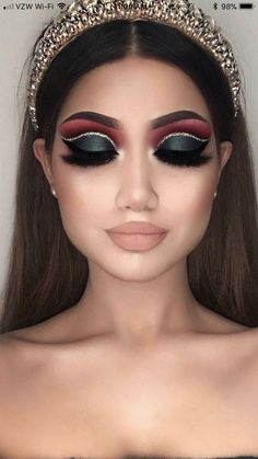 dramatic makeup looks smokey eye make up \ makeup looks dramatic eye make up 80s Eye Makeup, Eye Makeup Images, Prom Makeup, Smokey Eye Makeup, Bridal Makeup, Easy Makeup, Indian Eye Makeup, Contouring Makeup, Witch Makeup