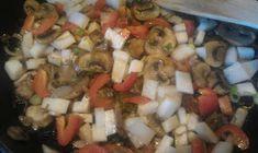 Lavkarbo kjerringa: Koteletter og grønnsaker i fløtesaus Meat, Chicken, Food, Red Peppers, Beef, Meal, Essen, Hoods, Meals