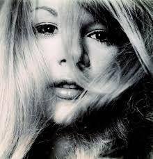 Αποτέλεσμα εικόνας για αλικη βουγιουκλακη φωτογραφιες ασπρομαυρες Greek Girl, Beautiful People, Beautiful Women, Greek Beauty, Black And White Stars, She Girl, American Women, Powerful Women, Classic Hollywood