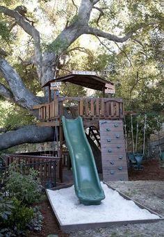 Tree fort play yard Backyard Playground, Backyard Fences, Backyard For Kids, Children Playground, Garden Kids, Backyard House, Tree House Playground, Backyard Treehouse, Play Structures For Kids