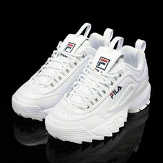 timeless design 1eb9a 30041 FILA Womens Disruptor II 2 Sneakers Casual Athletic Running Walking Sports  Shoes  fashion  clothing