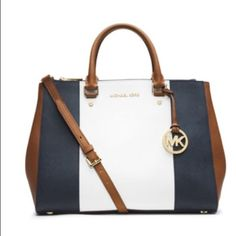 Michael Kors Jet Set Tote Center Stripe 100% authentic, new with tags, great for summer, super cute Michael Kors Bags Totes
