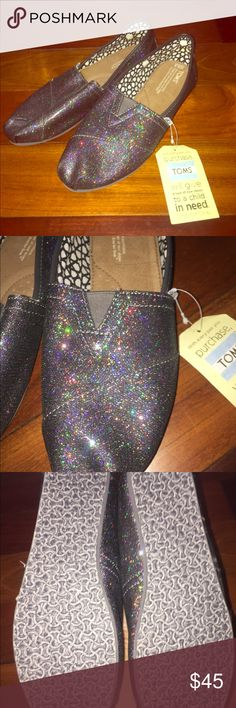 NWT Toms Multi glitter classics flats tennis Shoes NWT Size 9.5 Super cute! Toms Shoes Flats & Loafers