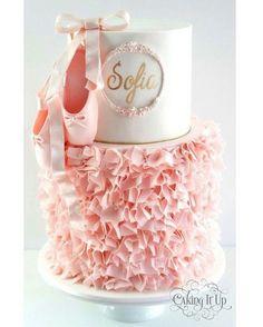 adoro esse bolo, delicado, moderno e lindo! Regrann @caking_it_up #festejandoemcasa #caruaru #recife #gravida #gravidas #festainfantil #blogdefestainfantil #festejandoemcasa #caruaru #recife #gravida #gravidas #mae #bailarinafestejandoemcasa #bolobailarina #festabailarina #festamenina